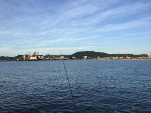 津名港の朝