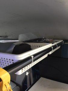 エブリー【DA64V】のリアルーフに車中泊用の棚を自作しました